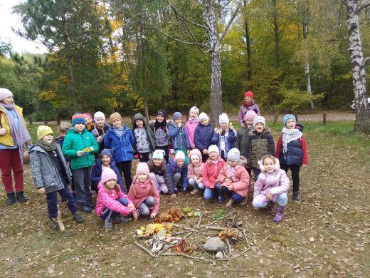 zdjęcie uczniów kl.1-3 z wycieczki do Łagiewnik